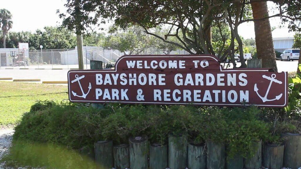 Bayshore Gardens FL-Bradenton Metal Roof Installation & Repair Contractors